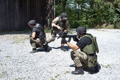 Spezielle Polizeieinheit im Training Lizenzfreies Stockbild