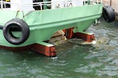 Spezielles Reinigerschiffs-Reinigungswasser lizenzfreie stockbilder