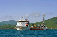 Spezielles Schiff Willem de Vlaming am Anker in der Bucht von Nachodka Primorsky Krai Ost (Japan-) Meer 01 06 2012 Lizenzfreie Stockfotos