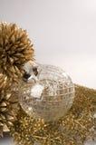 sphère d'ornement de Noël Photographie stock libre de droits