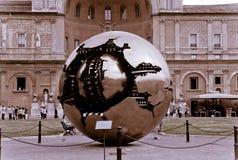 Sphère dans une sphère, musée de Vatican Photographie stock libre de droits