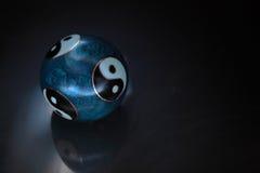 Sphère de Ying et de Yang Image stock