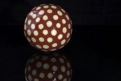 Sphère en bois Images stock