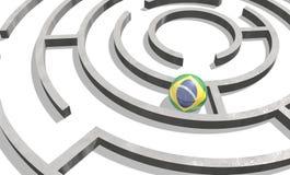 Sphère texturisée par le drapeau du Brésil à l'intérieur du labyrinthe Photo libre de droits