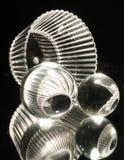 Sphères en verre avec la cuvette Images stock