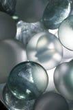 Sphères en verre colorées Photo libre de droits