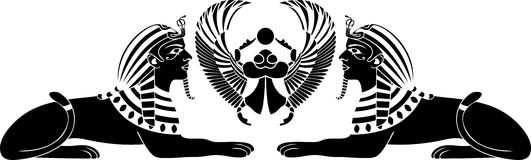 Sphinx égyptien avec le scarabée Photo stock