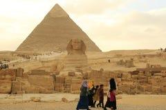Sphinx και πυραμίδα στοκ εικόνα με δικαίωμα ελεύθερης χρήσης