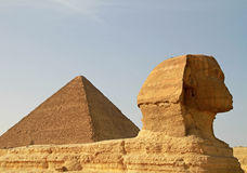 Sphinx and Cheops pyramid Royalty Free Stock Images