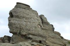 Sphinx de Bucegi, borne limite de la Roumanie Photographie stock libre de droits