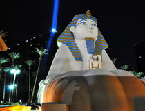 Sphinx de Vegas la nuit image stock