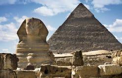 Sphinx et pyramide Images stock