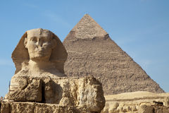 Sphinx and Keops pyramid in Giza Royalty Free Stock Image