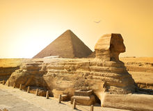 Sphinx and pyramid Royalty Free Stock Photography