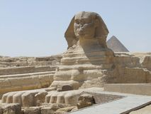 Sphinx and Pyramid of Menkaure Royalty Free Stock Images