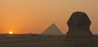 The Sphinx and the Pyramids in Giza, Egypt Stock Photography