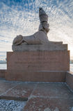 Sphinx sur le pilier du remblai d'Universitetskaya Photographie stock libre de droits