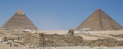 Sphinx von Giseh und von Pyramiden Stockfotos