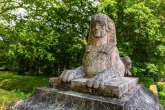 Sphinxstatue im Park nahe Chateau de Blois Stockfotografie