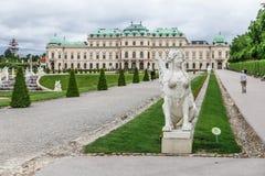 Sphinxstatue und Belvederegärten in Wien, Österreich Stockfoto