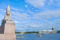 地道古色古香的埃及sphynx在圣彼得堡 俄国 免版税库存照片