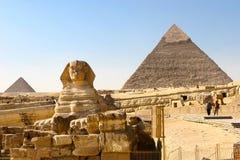 Sphynx y pirámides Foto de archivo