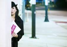 Spia della donna con il documento Fotografia Stock Libera da Diritti