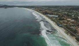 Spiagge lunghe e meravigliose, spiaggia del DOS Bandeirantes di Recreio, Rio de Janeiro Brazil fotografie stock libere da diritti