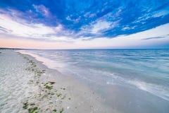 Spiaggia al tramonto Fotografie Stock