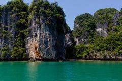 Spiaggia alla piccola isola in mare il mare delle Andamane Fotografia Stock