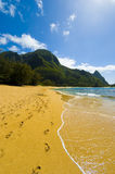Spiaggia alla sosta di Haena, Kauai, Kawaii immagine stock