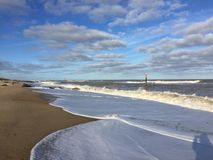 Spiaggia, amante dei cavalli fotografie stock libere da diritti