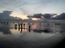 Spiaggia Bangladesh dell'oceano C di CoxBazaar fotografia stock