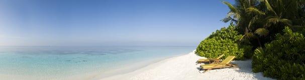 Spiaggia bianca della sabbia dell'isola Maldives di Ihuru Fotografia Stock