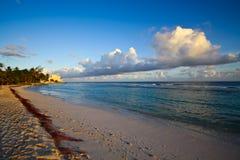 Spiaggia bianca Paradisiac della sabbia Fotografia Stock Libera da Diritti