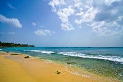 Spiaggia bianca Paradisiac della sabbia Fotografie Stock Libere da Diritti