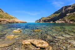 Spiaggia a Cala Figuera, isola di Maiorca Immagine Stock
