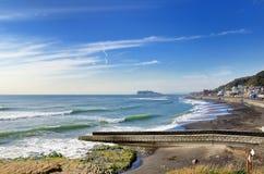 Spiaggia che è visibile da un Inamuragasaki. Fotografia Stock Libera da Diritti