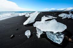 Spiaggia con gli iceberg Immagine Stock Libera da Diritti