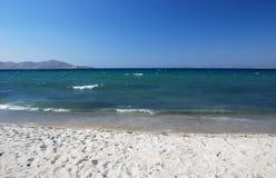 Spiaggia con la sabbia bianca Immagini Stock Libere da Diritti