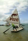 Spiaggia con le barche a vela tipiche del Brasile di nordest Fotografie Stock