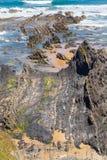 Spiaggia con le rocce in Almograve Fotografie Stock