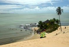 Spiaggia cristallina in natale, Brasile del mare fotografia stock