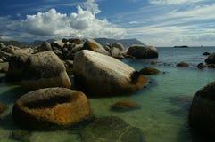 Spiaggia dei massi Immagini Stock