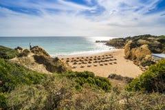 Spiaggia del castello in Albufeira, Algarve, Portogallo immagine stock libera da diritti