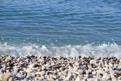Spiaggia del ciottolo in Nizza Immagini Stock Libere da Diritti