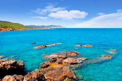 Spiaggia del DES Lleo dell'en Marti Pou del canale d dell'isola di Ibiza Fotografia Stock Libera da Diritti