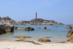 Spiaggia del KE GA con il faro nel Vietnam Fotografie Stock