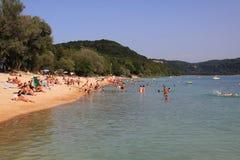 Spiaggia del lago Lac Du Chalain Immagine Stock Libera da Diritti