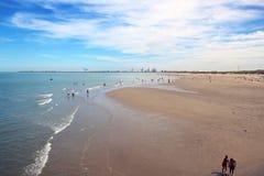 Spiaggia del Mare del Nord del Belgio ampia immagine stock